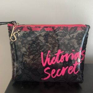 🆕 Victoria's Secret makeup case